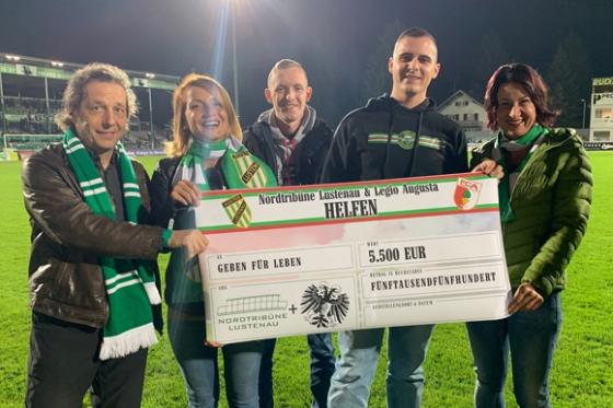 € 5.500,- von Fanclubs undSportlern bei Austria Match