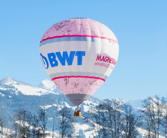 Versteigerung einer Fahrt im Heißluftballon zu Ehren Wolfgangs
