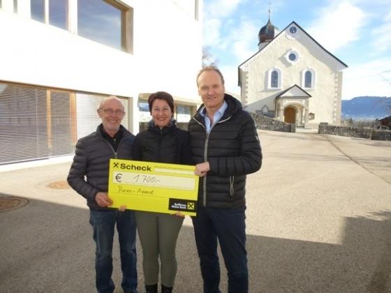 € 1.700,- vom Adventsmarkt in Doren
