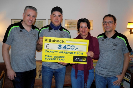 € 3.400,- vom First Schopf Soccer Team