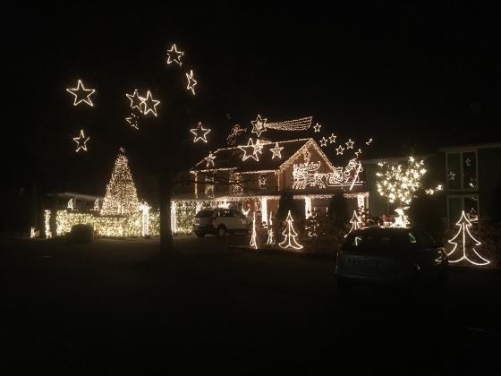 € 1.150,- durch Weihnachtsbeleuchtung in Höchst