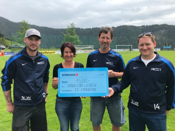 € 1.500,- vom FC Fraxern nach Dämmerschoppen