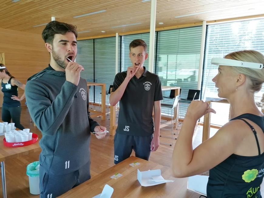 'Sportler und Gäste helfen für den guten Zweck'-Bild-23