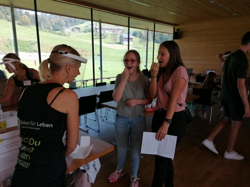 'Sportler und Gäste helfen für den guten Zweck'-Bild-25