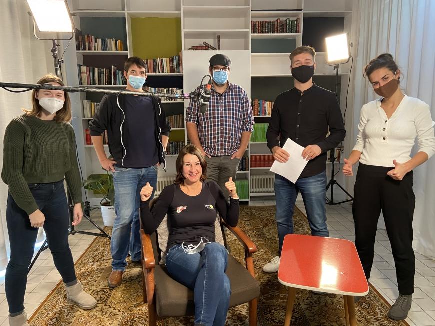 'Erstmaliges Treffen vor laufender Kamera bei Überraschungsbesuch in Klagenfurt'-Bild-6