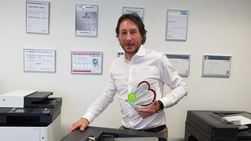 'BOG Informationstechnologie spendet mehrere Kopiergeräte'-Bild-1