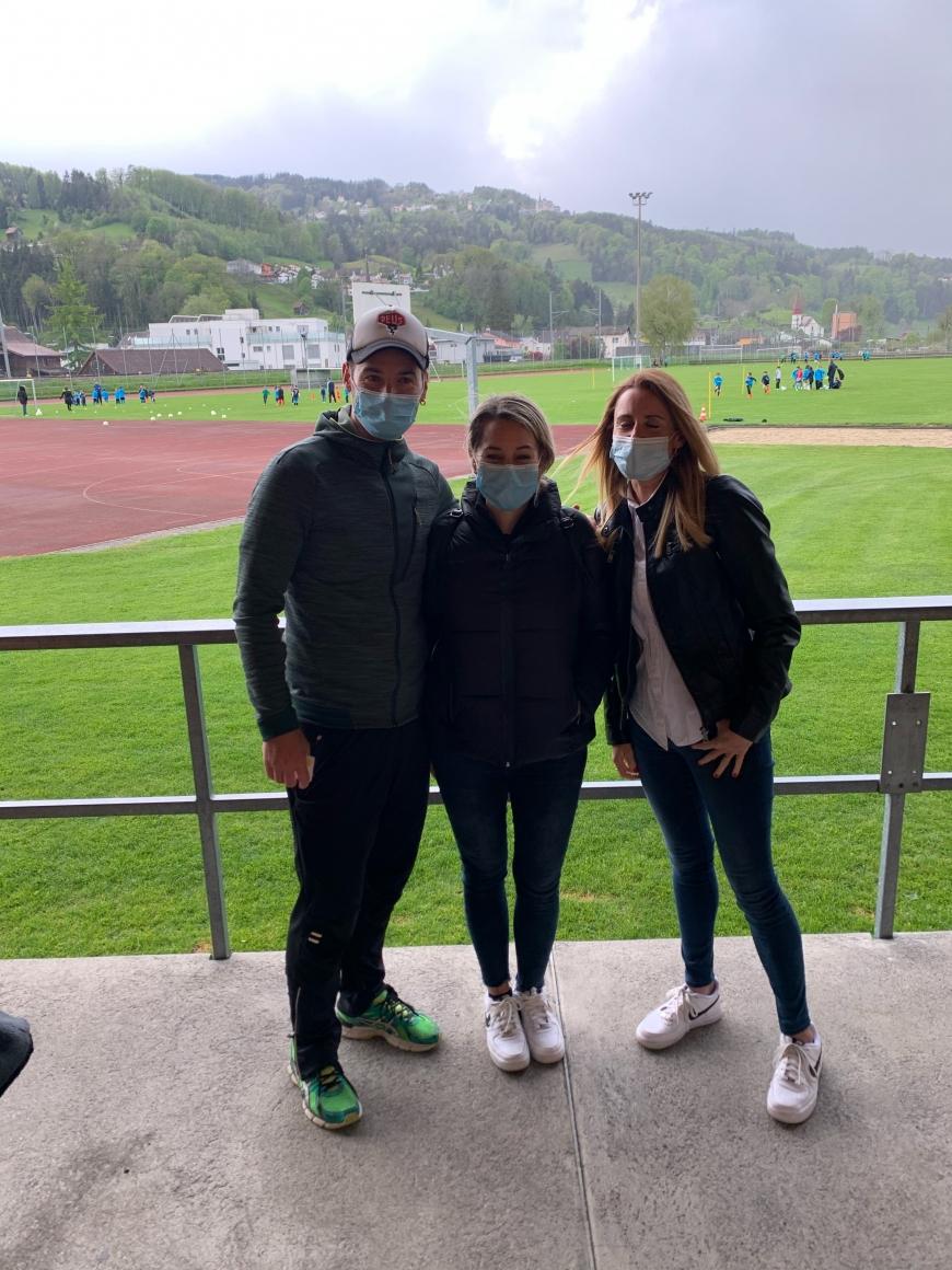 'Bewegende Unterstützung in Schweizer Fußballclub für kranke Frau'-Bild-5