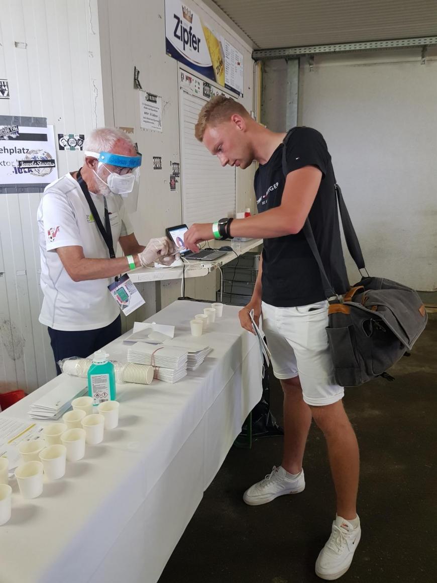 'Engagierte Fußballer organisieren in Pasching tolle Aktion'-Bild-2