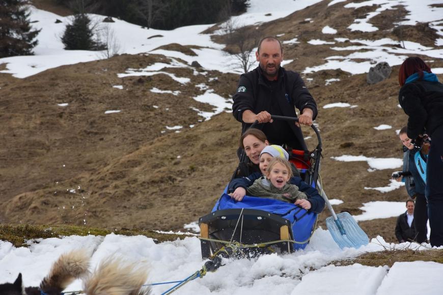 'Kindertraum mit Husky-Toni auf der Tschengla für schwerkranke Kinder'-Bild-5