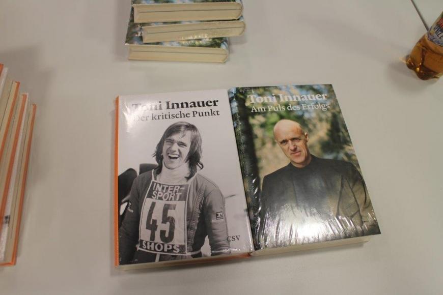'Scheckübergabe FC Tosters 99 nach Toni Innauer-Lesung'-Bild-16