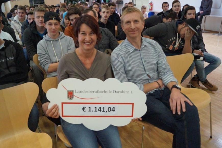 'Landesberufsschule Dornbirn 1 spendet € 1.141,04 für Typisierungen'-Bild-3