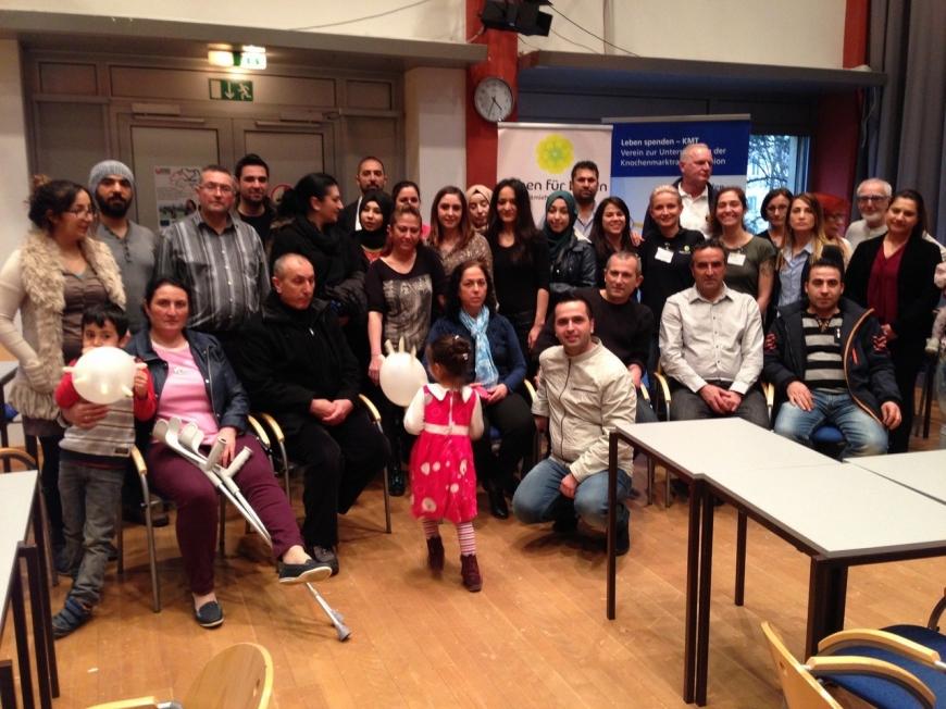 'Ganze Familie der betroffenen Zeynep hilft bei Typisierung in WIen'-Bild-3