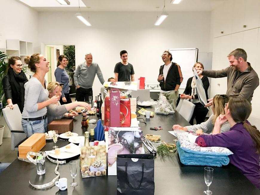 'Großartige Firmenaktion durch Zusammenhalt von Mitarbeitern und Kunden'-Bild-1