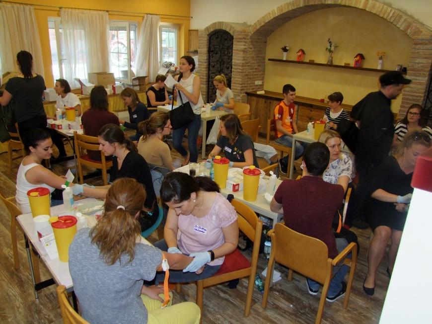 'Fantastische Aktion mit Promi-Beteiligung in Wels setzt die Latte für unsere Aktionen wieder hoch'-Bild-11
