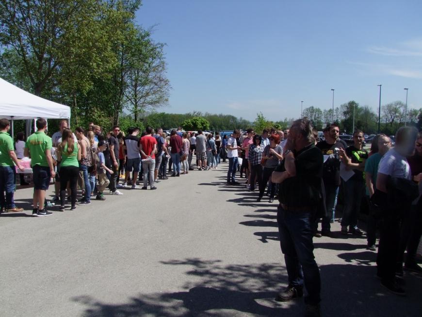 'Fantastische Aktion mit Promi-Beteiligung in Wels setzt die Latte für unsere Aktionen wieder hoch'-Bild-15