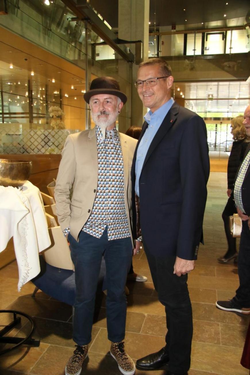 'Aktion mit Vorarlberger Künstlern in der Raiffeisenbank Bregenz ein toller Erfolg'-Bild-13