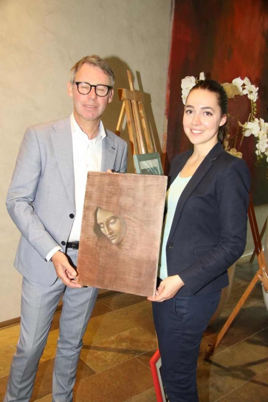 'Aktion mit Vorarlberger Künstlern in der Raiffeisenbank Bregenz ein toller Erfolg'-Bild-14