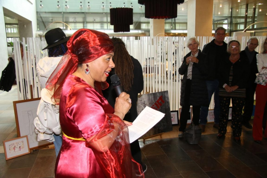 'Aktion mit Vorarlberger Künstlern in der Raiffeisenbank Bregenz ein toller Erfolg'-Bild-15
