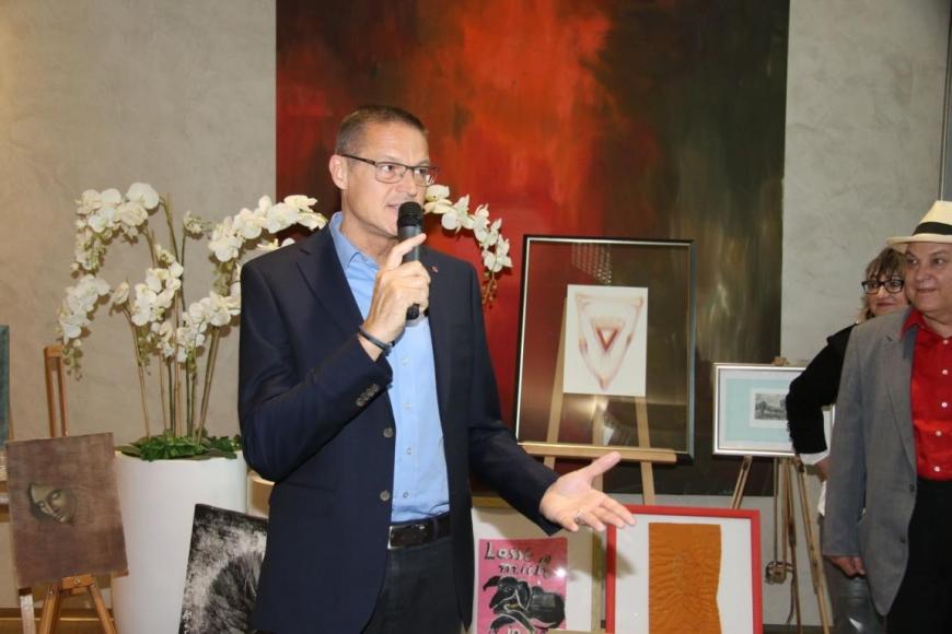 'Aktion mit Vorarlberger Künstlern in der Raiffeisenbank Bregenz ein toller Erfolg'-Bild-17
