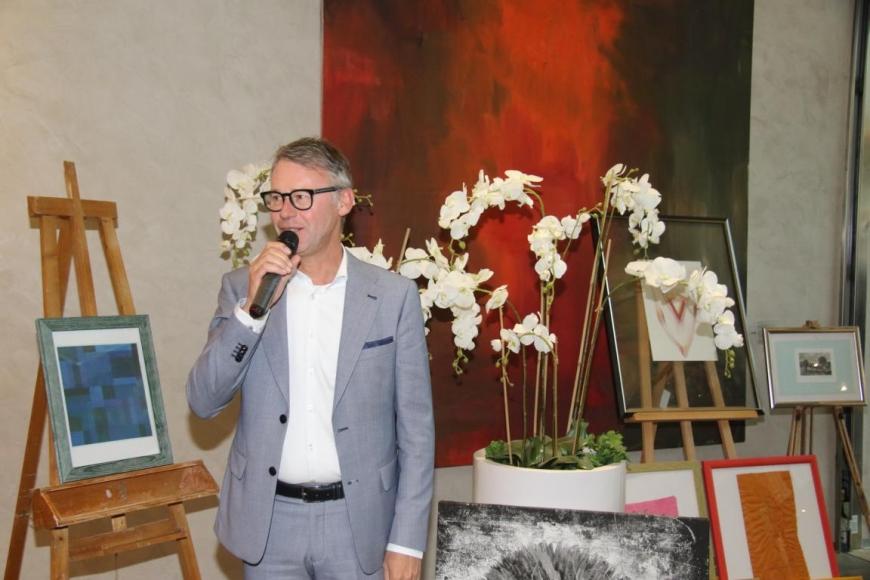 'Aktion mit Vorarlberger Künstlern in der Raiffeisenbank Bregenz ein toller Erfolg'-Bild-20