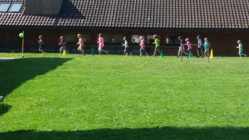 'Schülerlauf bringt stolze Summe für Spendentopf der Tour der Hoffnung'-Bild-1