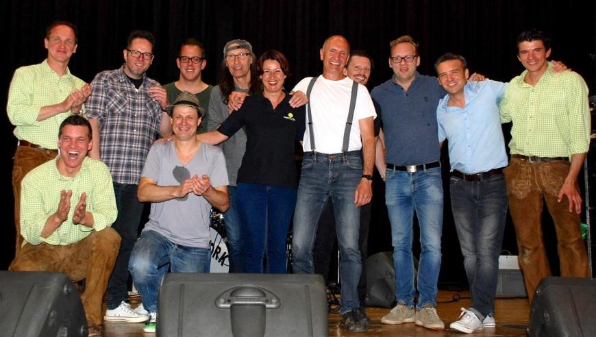 'Drei Top-Bands rocken gemeinsam für die gute Sache: Roadwork, Alpenstarkstrom und The Monroes'-Bild-5