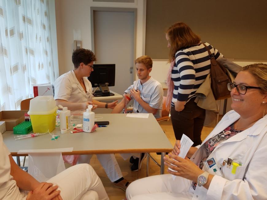 'Krankenhauspersonal ließ sich für erkrankten Mitarbeiter typisieren'-Bild-3