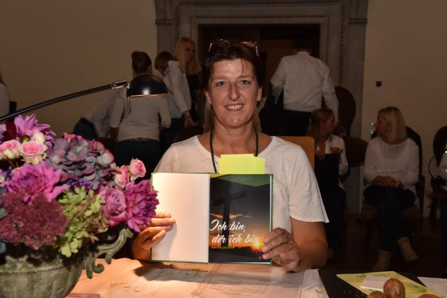 'Emotionale Lesung einer ehemals leukämiekranken Frau in Spittal an der Drau (Kärnten)'-Bild-72