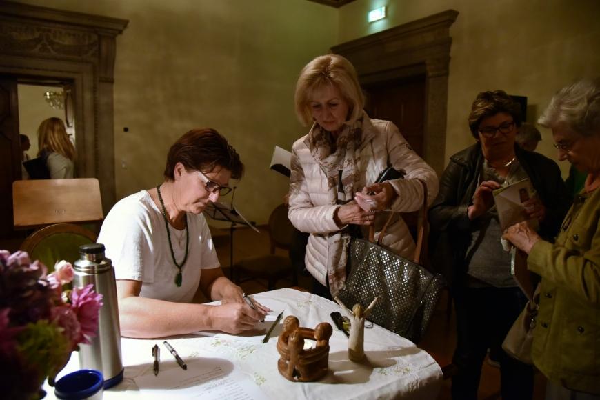 'Emotionale Lesung einer ehemals leukämiekranken Frau in Spittal an der Drau (Kärnten)'-Bild-76