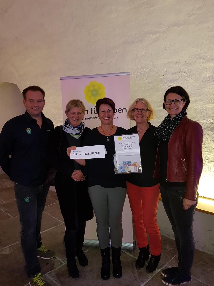 'Theatergruppe Lichtblick und Seniorentheater Spätlese mit toller Aufführung'-Bild-2