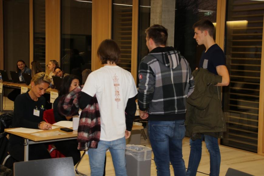 '99 Neutypisierungen und € 362,- an Spenden bei Maturaprojekt Marienberg'-Bild-15
