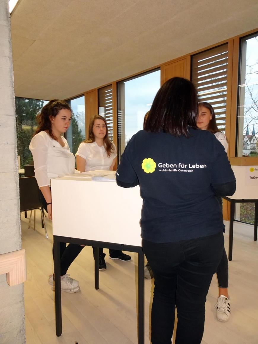 '99 Neutypisierungen und € 362,- an Spenden bei Maturaprojekt Marienberg'-Bild-35