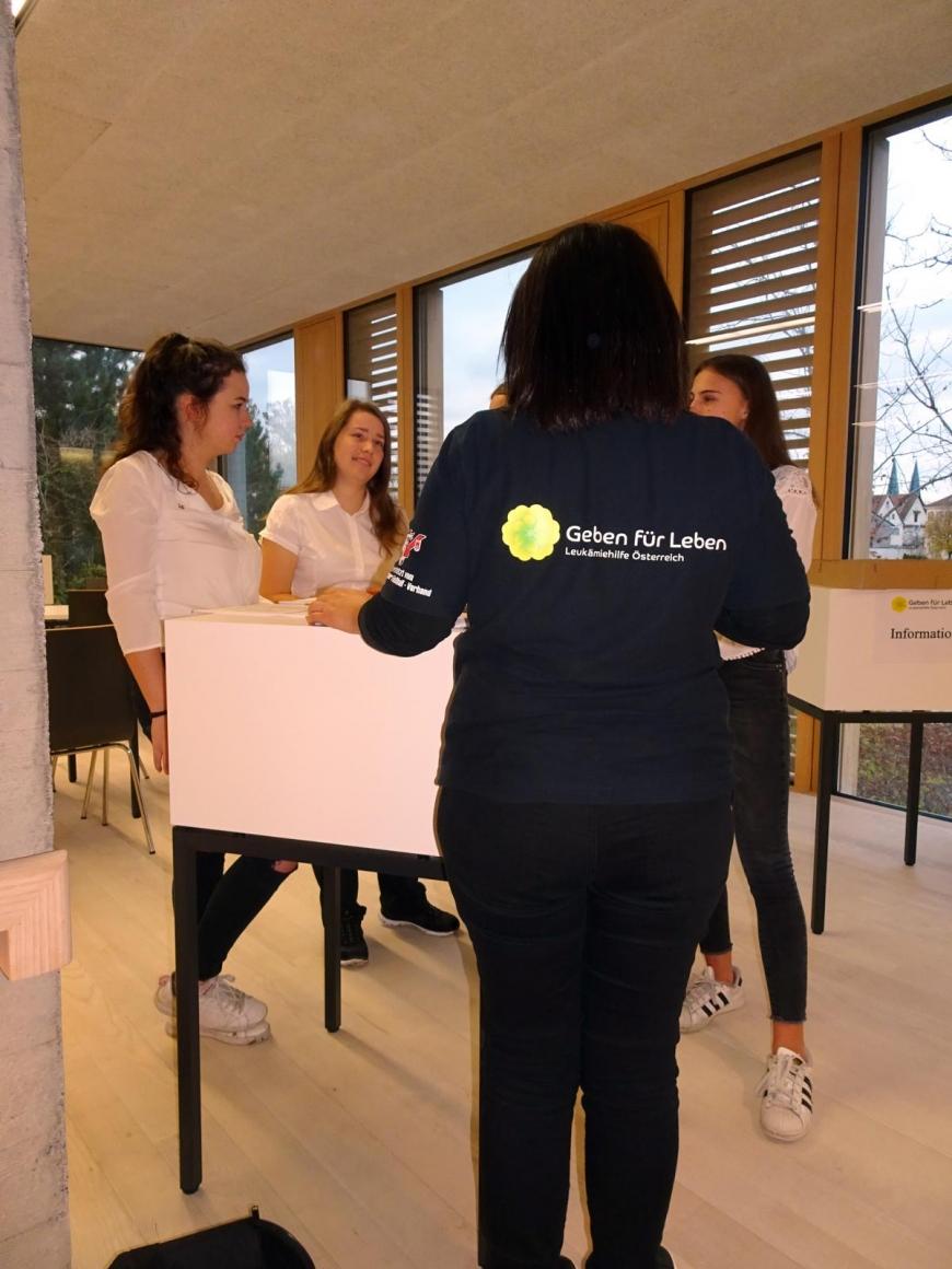 '99 Neutypisierungen und € 362,- an Spenden bei Maturaprojekt Marienberg'-Bild-36