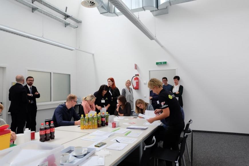 'In Mäder fand eine Firmentypisierung von 43 MitarbeiterInnen statt'-Bild-6