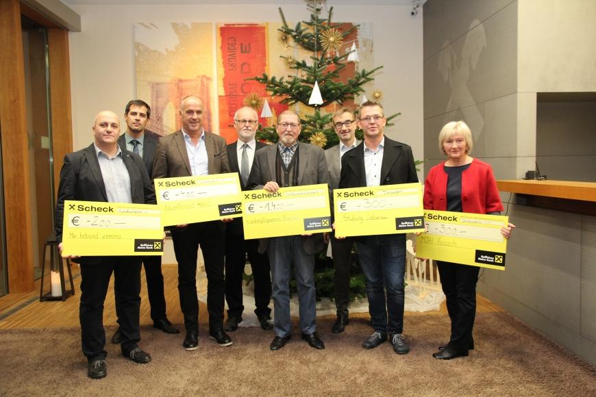 'Großzügige Spenden statt Weihnachtsgeschenke der Raiffeisenbank'-Bild-2
