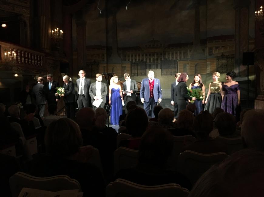 'Opernfreunde mit sozialem Engagement helfen uns dabei, weitere Leben zu retten'-Bild-6