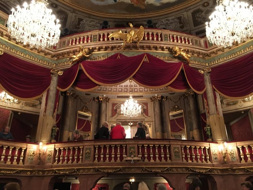 'Opernfreunde mit sozialem Engagement helfen uns dabei, weitere Leben zu retten'-Bild-11