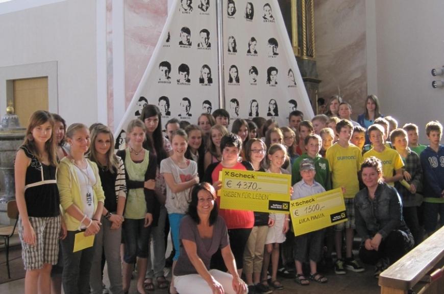 'Hittisauer Firmlinge unterstützen Verein'-Bild-12
