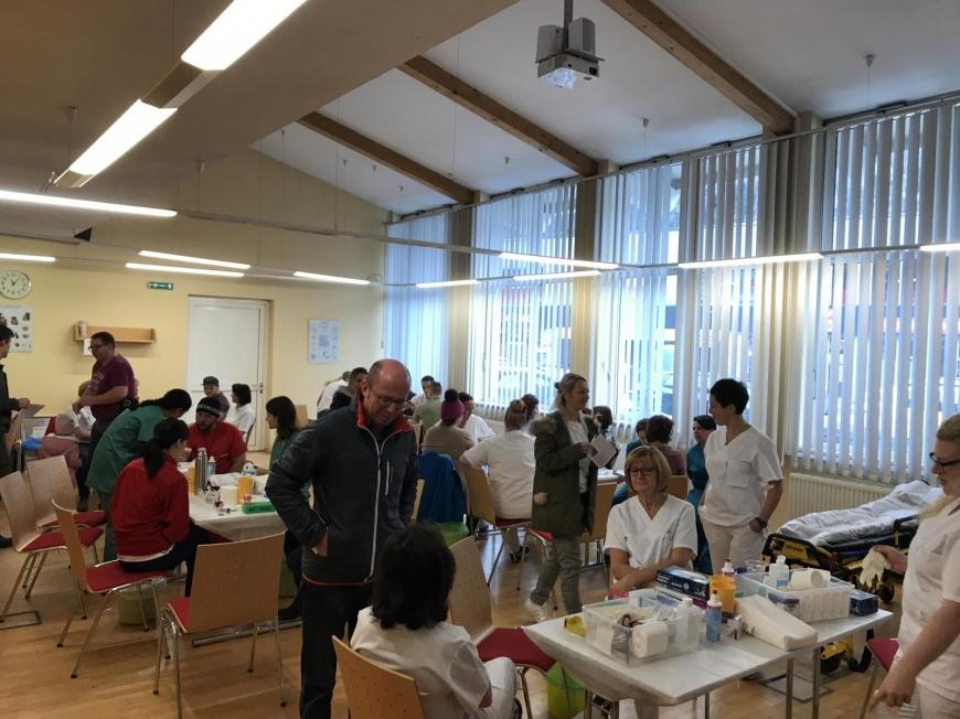 'Wunderschöne Aktion mit toller Zusammenarbeit mit engagierten Mitarbeitern des Roten Kreuzes'-Bild-5