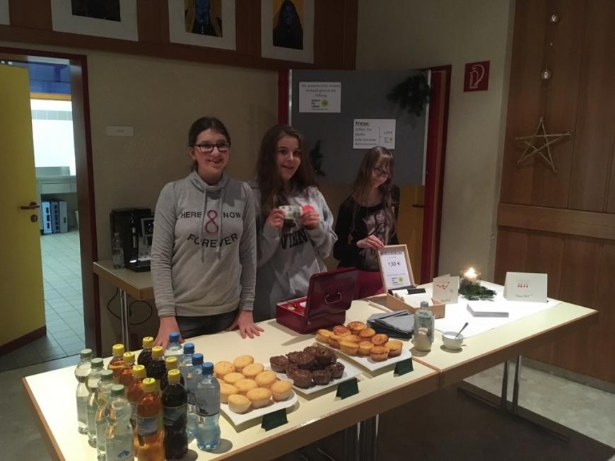 'Schüler und Lehrer helfen zusammen und bezahlen Typisierungen für Verein'-Bild-2