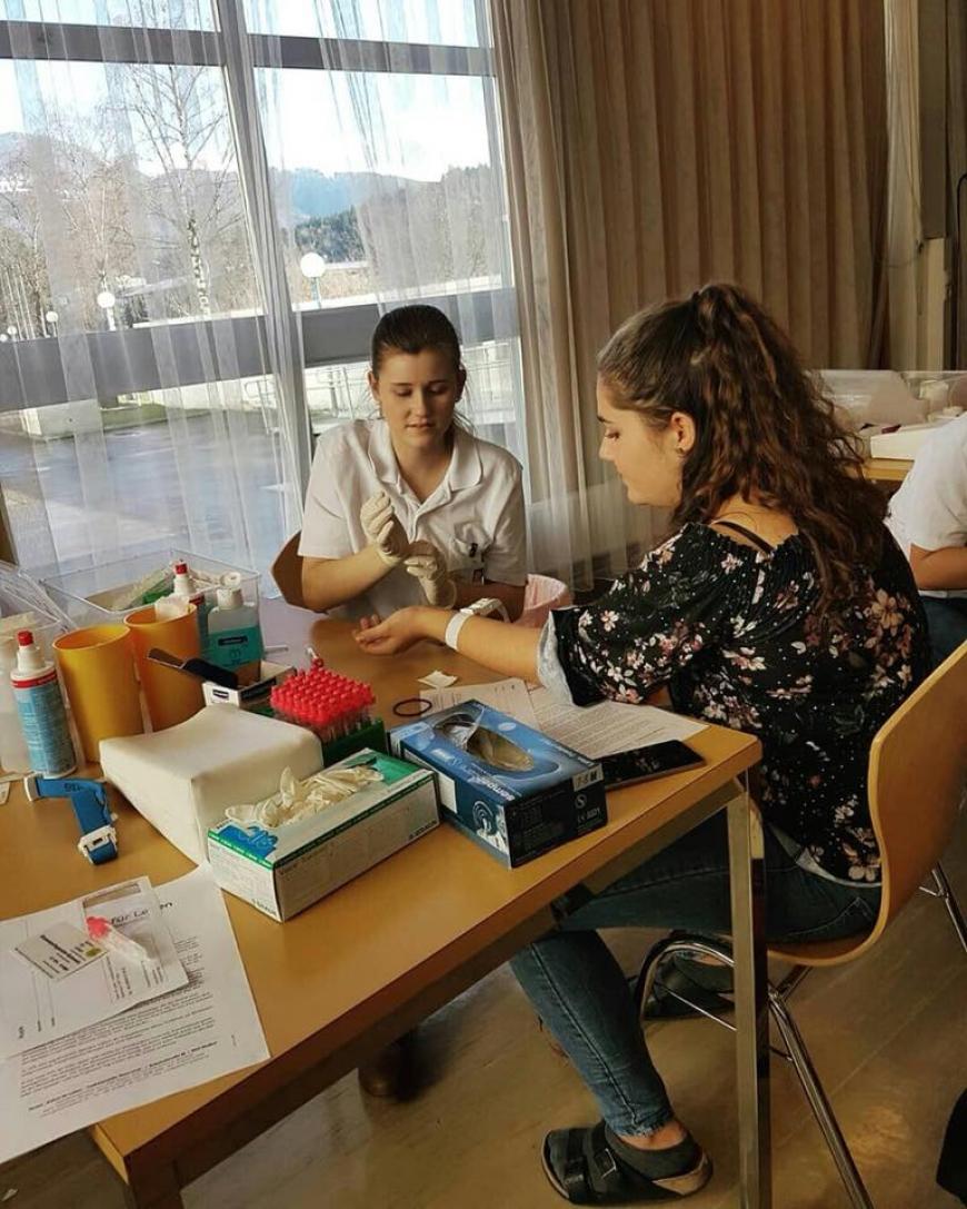 'Schülerinnen führten erfolgreich Typisierungsaktion für Diplomarbeit durch'-Bild-2