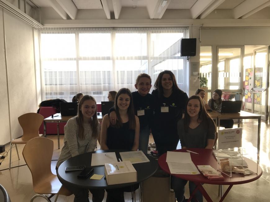 'Schülerinnen führten erfolgreich Typisierungsaktion für Diplomarbeit durch'-Bild-11
