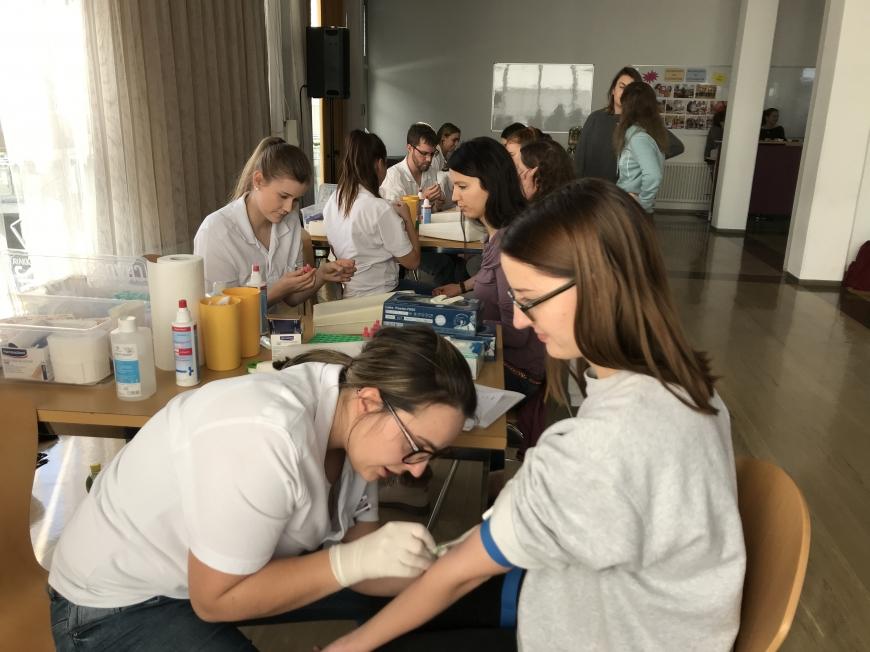 'Schülerinnen führten erfolgreich Typisierungsaktion für Diplomarbeit durch'-Bild-15
