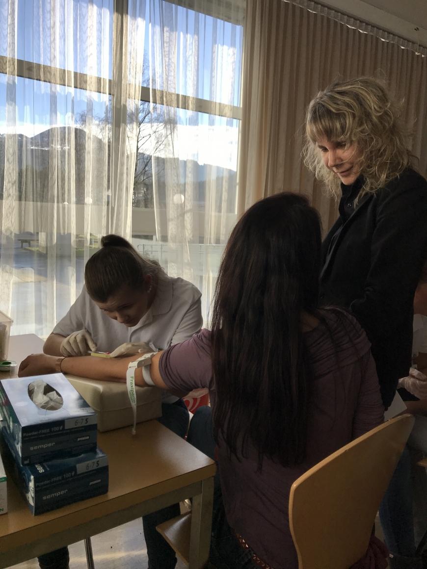 'Schülerinnen führten erfolgreich Typisierungsaktion für Diplomarbeit durch'-Bild-16