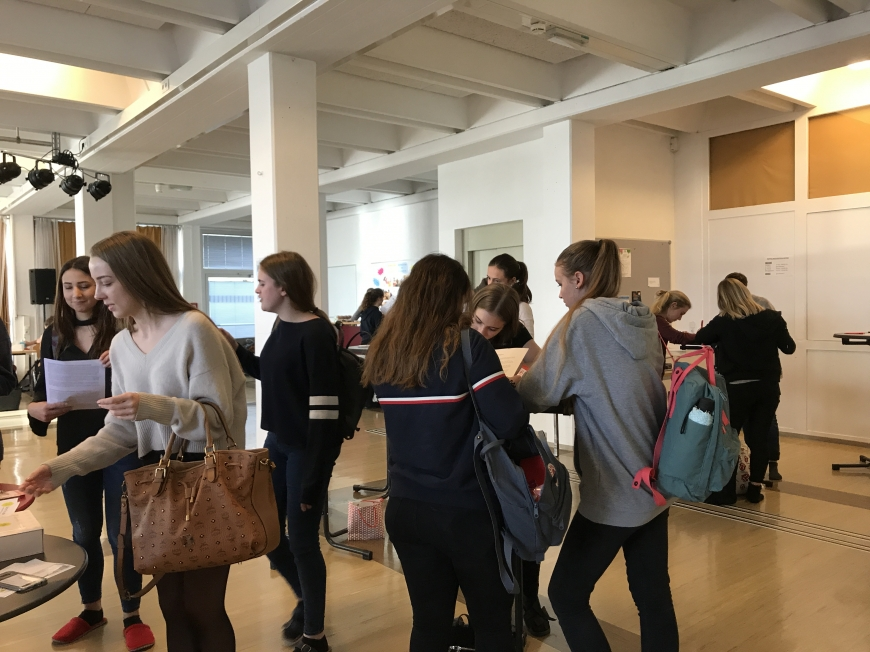 'Schülerinnen führten erfolgreich Typisierungsaktion für Diplomarbeit durch'-Bild-25