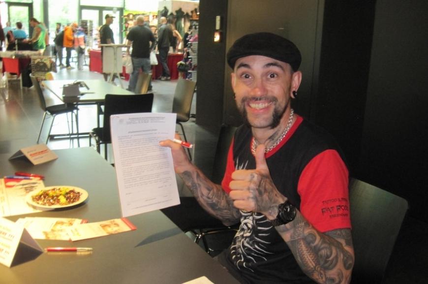 'Stechen für den guten Zweck - Typisierung auf der Tattoo-Convention'-Bild-34