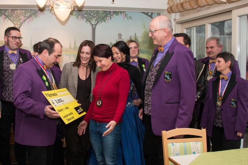 'Schlossnarren aus Hohenems spenden tolle Summe an unseren Verein'-Bild-3