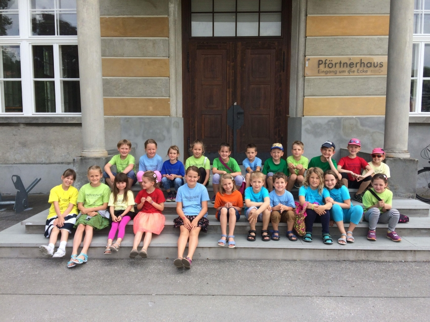 'Große Jubiläums-Messeparkaktion mit Buchsignierung und Kinderchor'-Bild-7