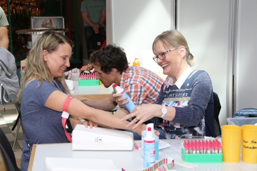 'Viele neue Lebensretter und € 4.163 an Spenden nach toller Aktion'-Bild-13