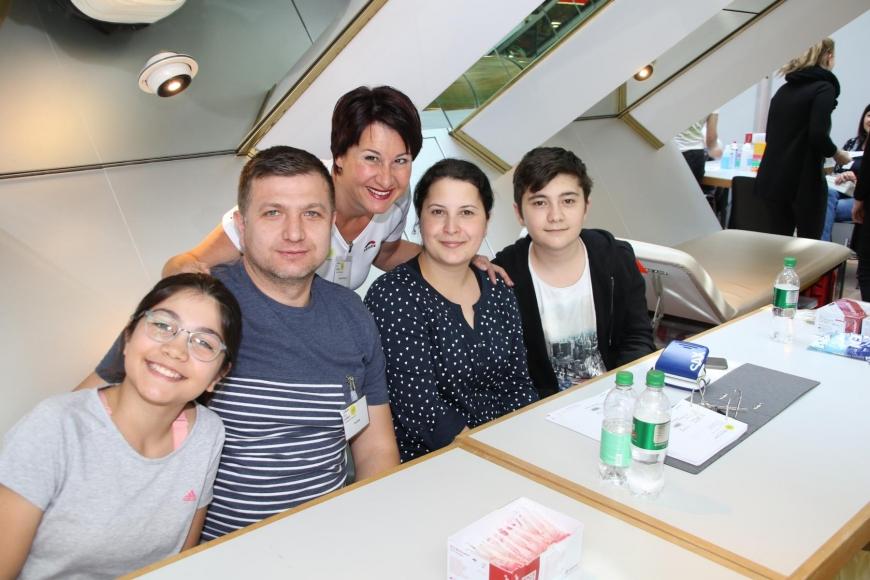 'Viele neue Lebensretter und € 4.163 an Spenden nach toller Aktion'-Bild-16